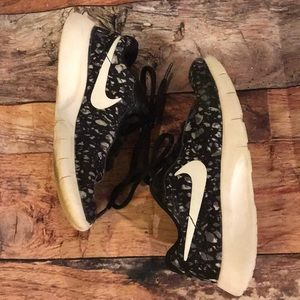 Boys Nike sneakers Sz 13